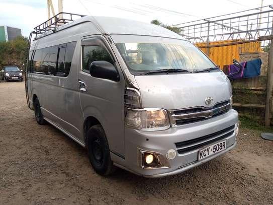 Toyota HiAce 2012 model image 1