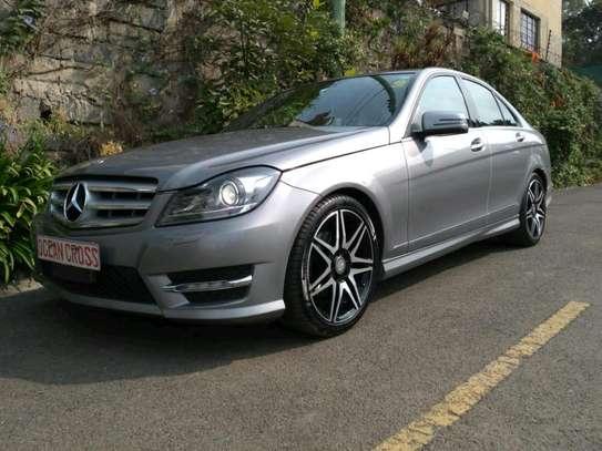 Mercedes-Benz C200 on sale image 9