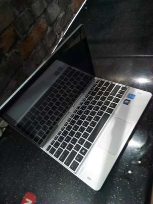 HP REVOLVE 810 CORE I5,4GB,2.30GHZ,128GB SSD image 1