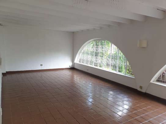 3 bedroom house for rent in Muthaiga Area image 14