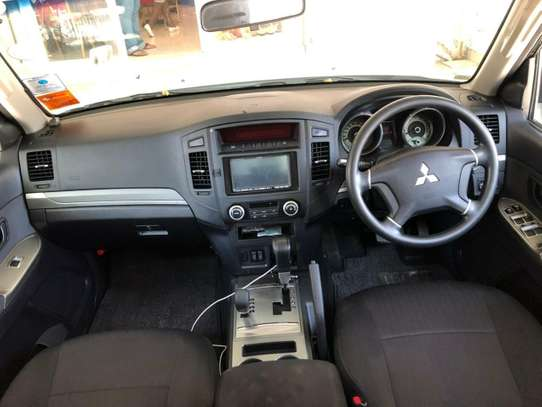 Mitsubishi Pajero image 12