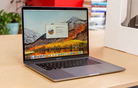Apple MacBook Pro 15 Retina image 1