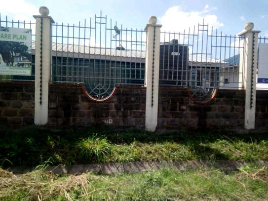 Electrical fence and razor wire for farms park homes factories supply and installation