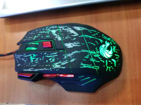 wired & wireless rechargeable gaming mouse image 2