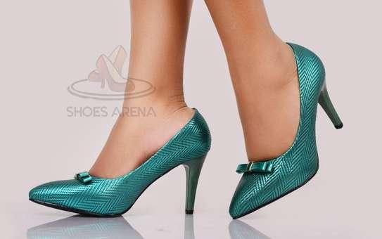 Shinny High heels image 5