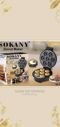 7 Holes Donut Maker image 1