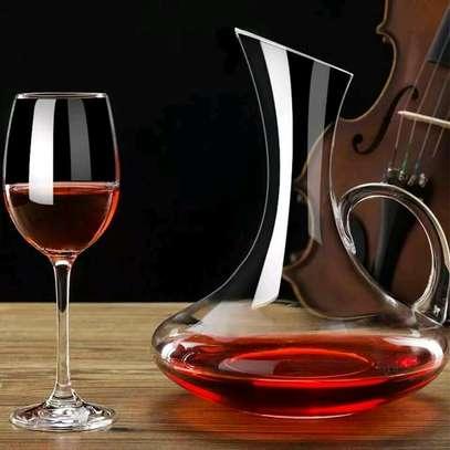 Wine decanter image 3