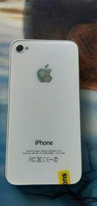 iPhone 4 image 3