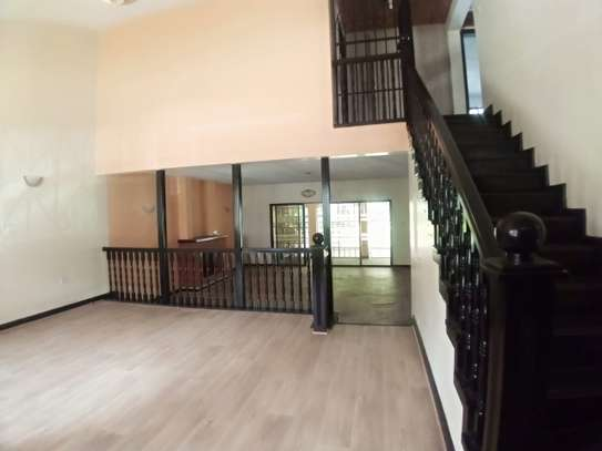 4 bedroom townhouse for rent in Kilimani image 6