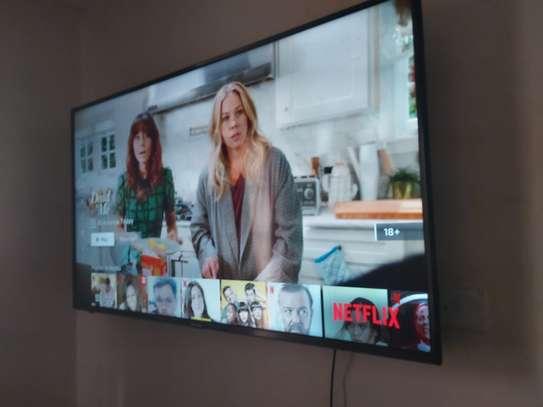 55 Inch Hisense 7Series Smart UHD 4K TV image 1