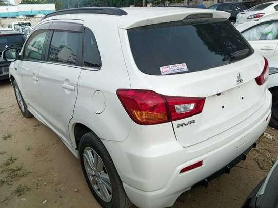Mitsubishi RVR image 6