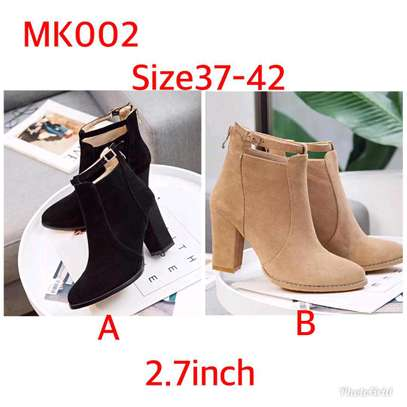 Ladies ankle length velvet boots image 3