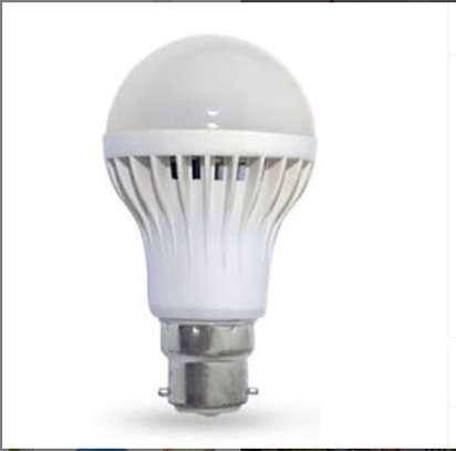 Dusk to dawn led sensor bulb image 1