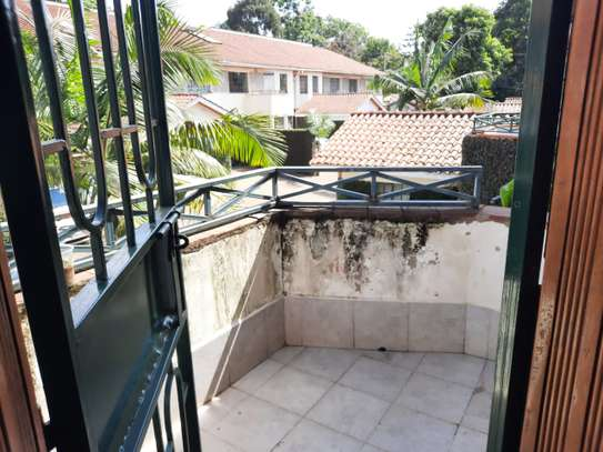 Lovely 3 Bedrooms House To Let in Kileleshwa image 11