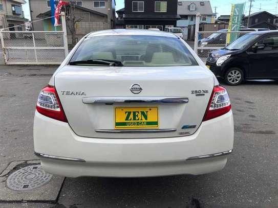 Nissan Teana image 9