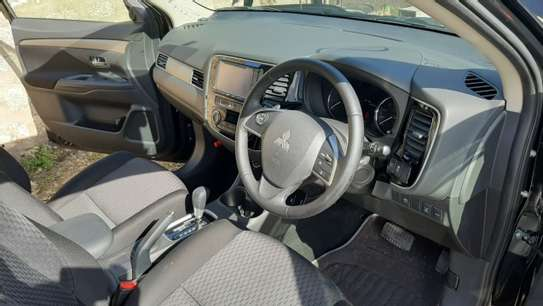 Mitsubishi Outlander 2.4 4WD Intense image 2