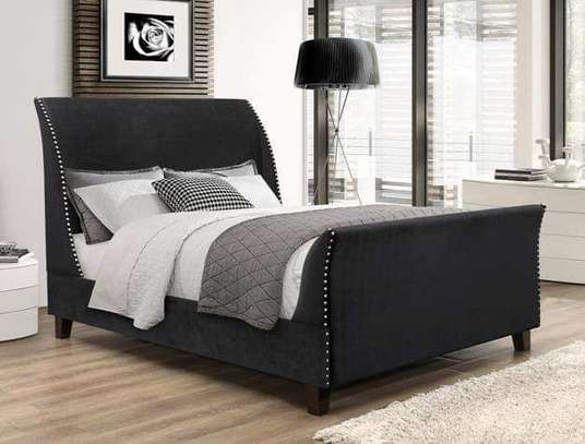 Executive tufted beds image 2