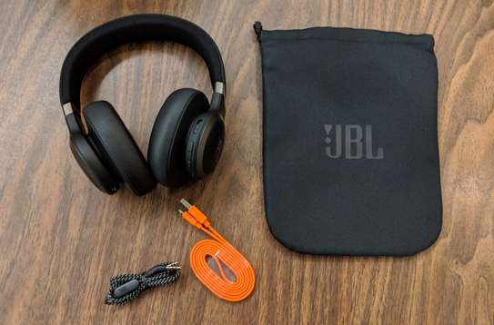 JBL LIVE 650BTNC Wireless Over-Ear Noise-Cancelling Headphones image 3