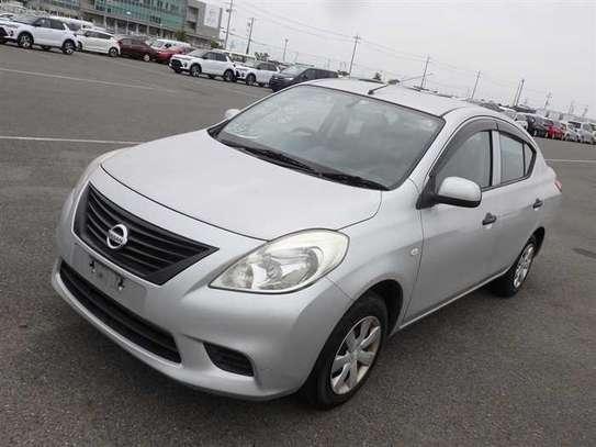 Nissan Tiida image 1