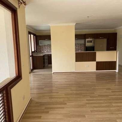 3 bedroom apartment for rent in Kileleshwa image 10
