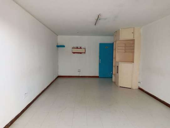 237 m² office for rent in Kilimani image 7