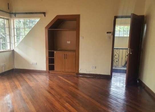 5 bedroom villa for rent in Rosslyn image 5