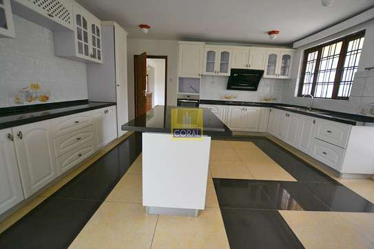 4 bedroom house for rent in Rosslyn image 7
