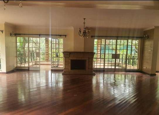 5 bedroom villa for rent in Rosslyn image 13