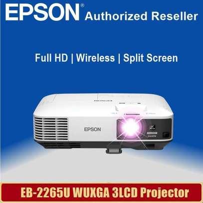 Epson  EB 2265U projector image 2