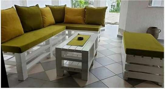 Pallet furniture image 1
