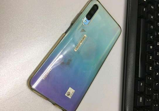 Huawei Y9s / 128 Gigabytes / With Wireless Buds image 3
