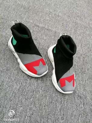 Kids shoe image 2