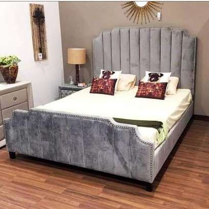 Queen Size Modern Beds image 1