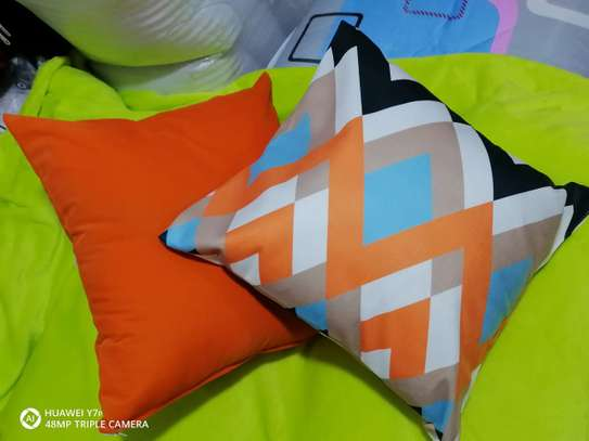 Complete Throw pillow Set image 9