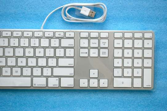 Wired Keyboard with Numeric Keypad image 2