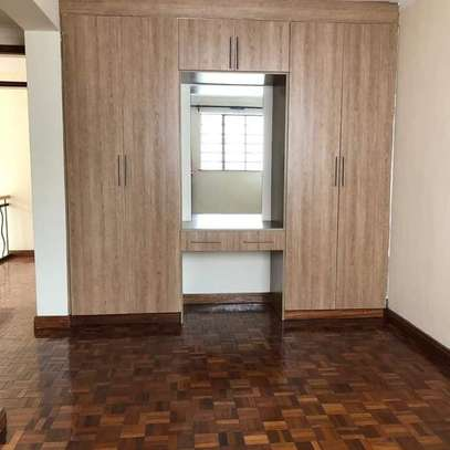 TOLET in #LAVINGTON . 5bedroom all ensuite, image 6