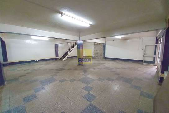 2140 ft² shop for rent in Industrial Area image 10