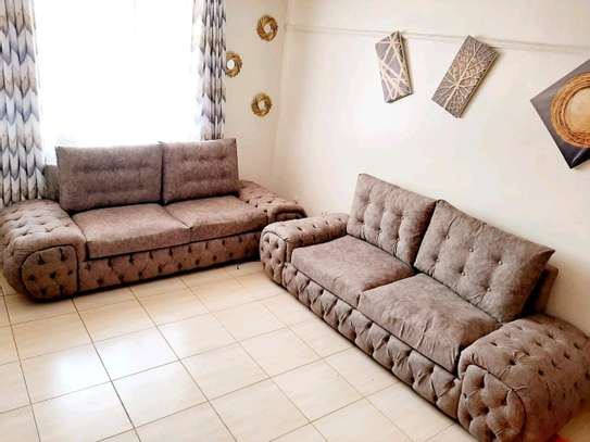 Elegant Timeless Quality 5 Seater Chesterfield Sofa image 1