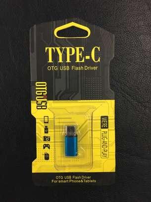 Micro-USB to USB-C Adapter image 1