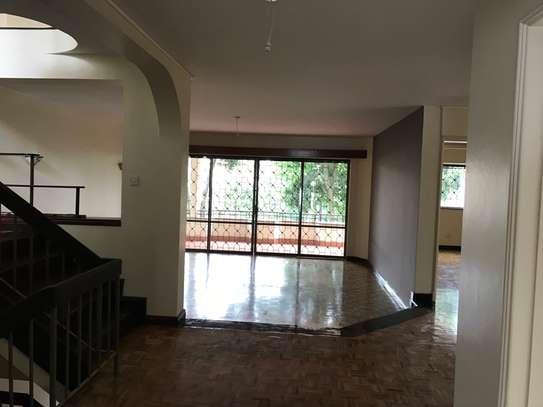 5 bedroom townhouse for rent in Rhapta Road image 9