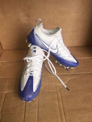 Soccer shoes/boots