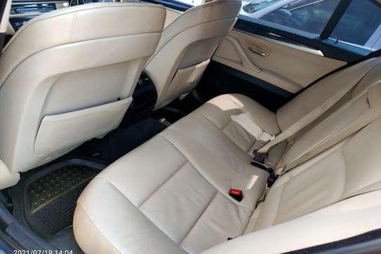 BMW 520i image 5