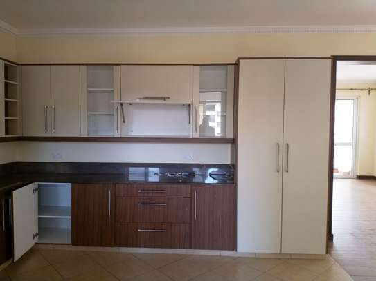 3 bedroom apartment for rent in Kyuna image 12