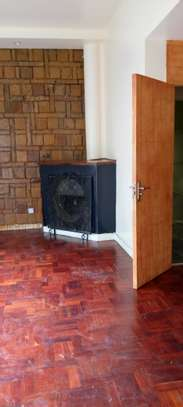Comfortable uptown town house 3 Bedroom with DSQ, in the heart of Upperhill image 7