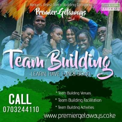 Outdoor Team Building image 2