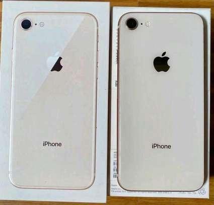 Apple Iphone 8   Gold   256 Gigabytes