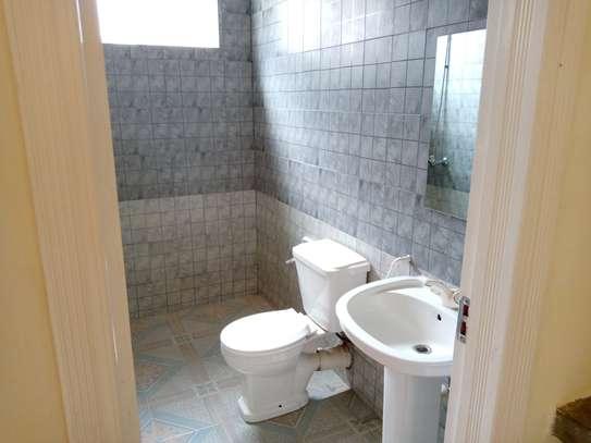 1 bedroom apartment for rent in Kileleshwa image 9
