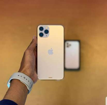 Iphone 11 pro image 2