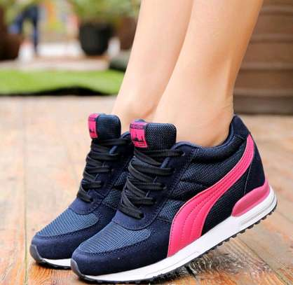 Classy ladies sports shoes image 2