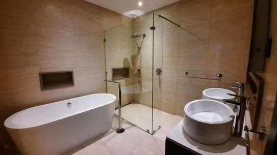 Furnished 3 bedroom apartment for rent in Riverside image 12